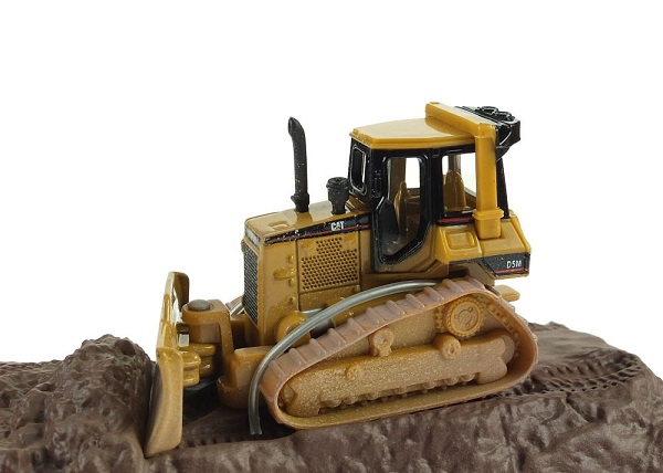 CAT D5M TRACK TRACTOR AT WORK 1/87
